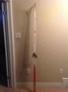 Germina Classic 2100 waxless nordic cross country skis 200cm