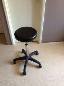 Cutting stool Warnbro Rockingham Area Preview