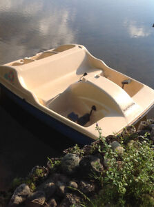 Moving discount paddle boat