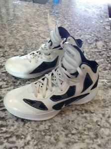 Men's Nike Hyperfuse basketball shoes