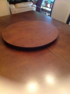 Lazy Susan. Like brand spanking new . 22 inches in width