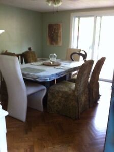 Spacious home boasts main flr 1 bdrm Homestay avail student disc