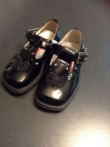 Girl's  Dress Shoes - Size 5