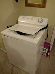 WASHER DRYER STOVE FRIGIDAIRE GALLERY 14 CYCLES HEAVY DUTY West Island Greater Montréal image 1