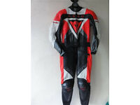 New Dainese Aero Motorcycle Motorbike 2 Piece Zip Racing Suit EU46 UK36 Motoblouzfor RRP £974 Urgent