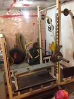 Weight lifting cage Magnum Fitness Systems