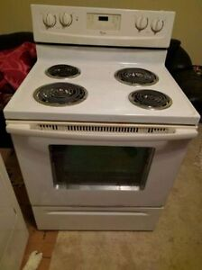 WASHER DRYER STOVE FRIGIDAIRE GALLERY 14 CYCLES HEAVY DUTY West Island Greater Montréal image 4