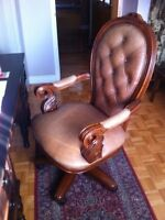 Very Nice! Deluxe Leather Executive Office Computer Chair