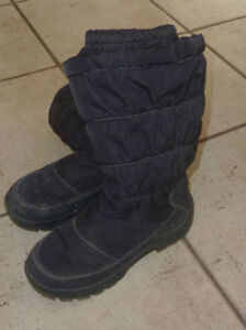 Cougar winter boots, youth size 3