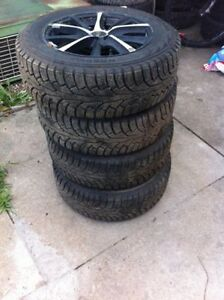 Set of 4 winter tires 195 65 15 with aluminum rims