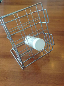 Metal spice rack for counter tops or in cupboards excellent cond