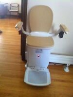 Used Acorn 80 Curved Stairlift $800 OBO