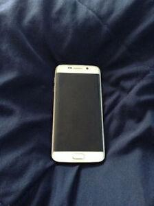White Samsung Galaxy S6 Edge 64GB + 2 Cases