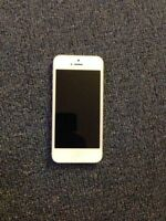 White iPhone 5 16 gb Rogers for $160