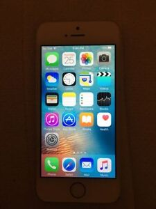 IPhone 5s Gold 16gb in Excellent Shape