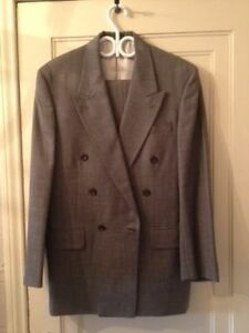 Oscar de la Renta Suit 38R
