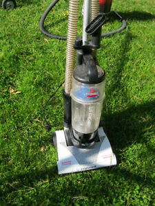 Bissell power force lite vacum cleaner  very good condition or b