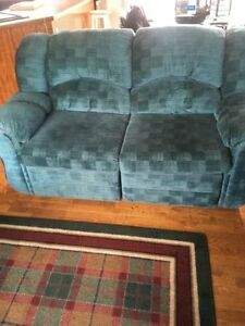 Comfy Recliner - Needs new home THIS week!