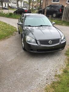 2006 Nissan Altima 3.5 S.. Safetied & Etested