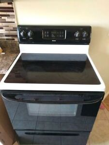Great condition flat top electric stove