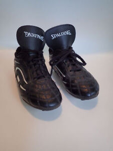 Size 1, 2 and 3 Boys & Girls Soccer Shoes $6/each London Ontario image 3