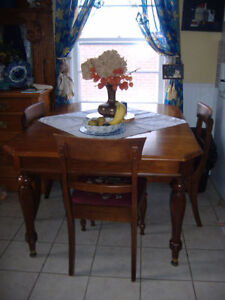Antique Gibbard Of Napanee Walnut Dining Table With 6 Chairs