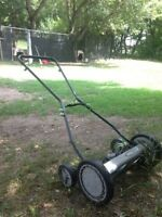 """PUSH MOWER. EARTHWISE 18"""" in brand new condition."""