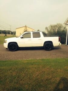 2007 CHEVROLET AVALANCHE LTZ ONLY 10900$ !!