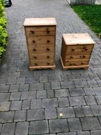 I wooden chest + 1 bedside unit