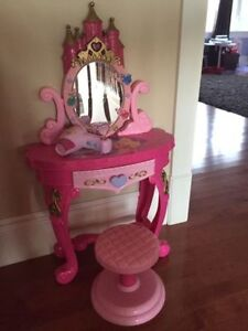 Princess vanity with stool and hairdryer