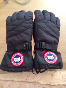 Authentic Canada Goose winter gloves