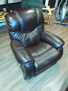 Lay-Z-Boy Recliner - NEGOTIABLE St. John's Newfoundland image 1