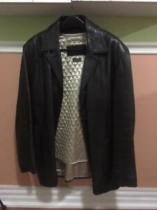 Large brown leather jacket, coat \ Manteau en cuir large brun