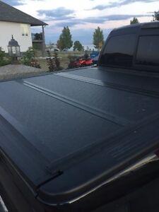 Tri-fold hard Tonneau cover for Ford F150