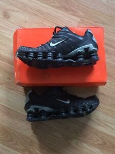 Nike shox brand new shoes size 9.5