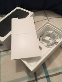 iPhone7 matte black (sim-free), 128GB, complete accessories, Mint condition (Just like brand new)
