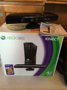 Like new: boxed Xbox 360 kinect, 2 wireless controls & 12 games Gatineau Ottawa / Gatineau Area image 2
