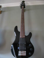 Basse 5 cordes Yamaha, 5 strings bass