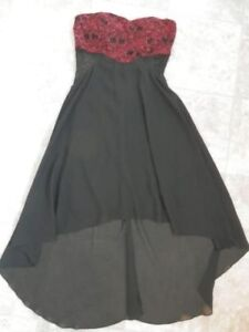Bag of nice youth/women's dresses (mostly S)