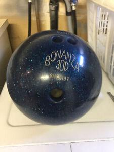 Boule de quilles - Bowling Ball