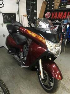NEW PRICE! 2011 Victory Vision Premium Tour ABS Absolutely Mint!