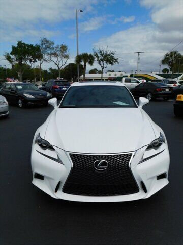 Image 4 Voiture Asiatique d'occasion Lexus IS 2015