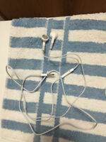 Brand New Apple Original Iphone Earphone with Mic - 3.5mm