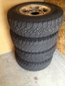 235 x 85 R16 rims with tires