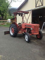 69 international B-275 diesel tractor, turn key..4500.00