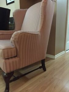Gorgeous & Comfy Wing Chair/Like New Kitchener / Waterloo Kitchener Area image 2