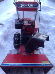 "Snow blower 8 HP / 26"" large Souffleuse à neige SnowFlite 8/26"