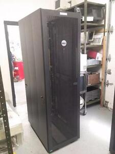 Dell RM387  Server Rack Cabinet SERVEUR Enclosure 42U