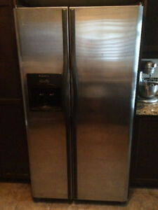 Frigidaire Stainless Steel fridge