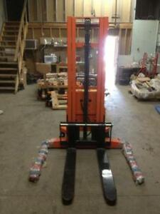 Brand New Semi Electric Hydraulic Pallet Stacker 2200lbs